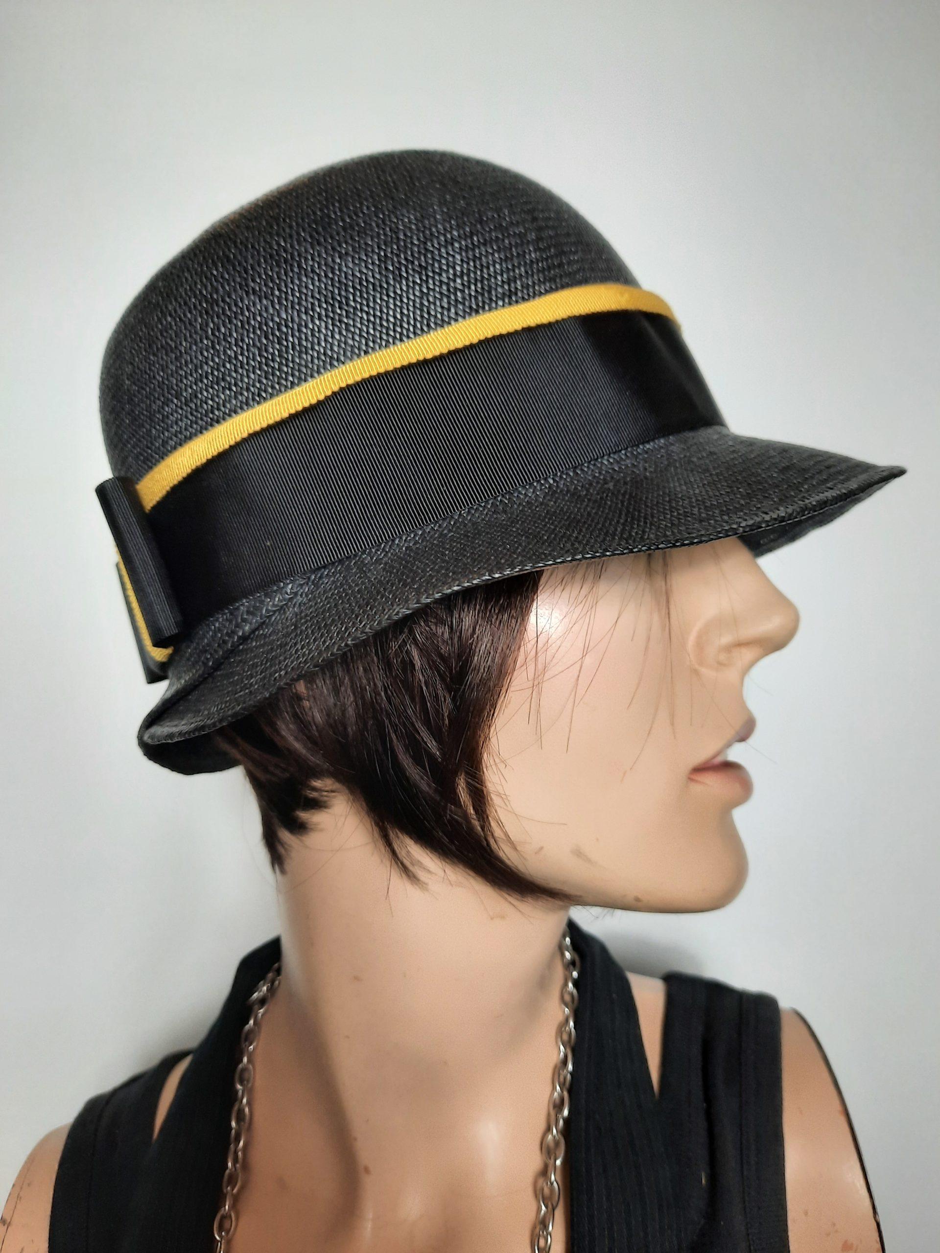 Damenstrohhut in schwarz